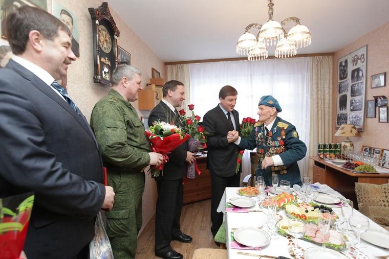 глава псковского района владимир лавренов биография