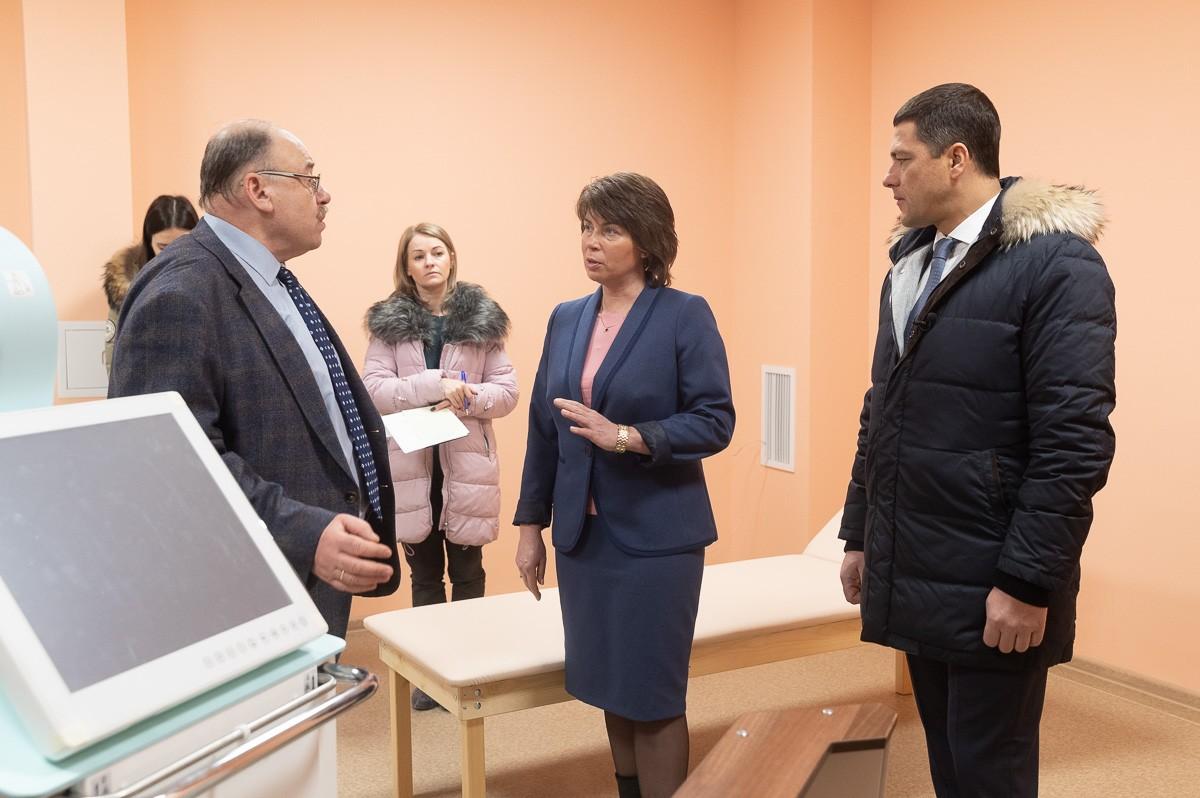 Михаил Ведерников провел строительную приемку врачебно-физкультурного диспансера