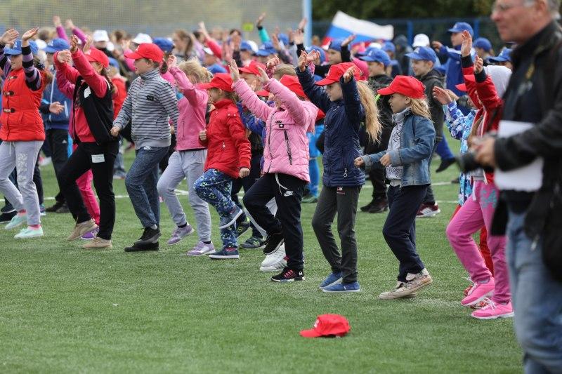 Островские дети получили в подарок к новому учебному году современную спортивную площадку, фото-6