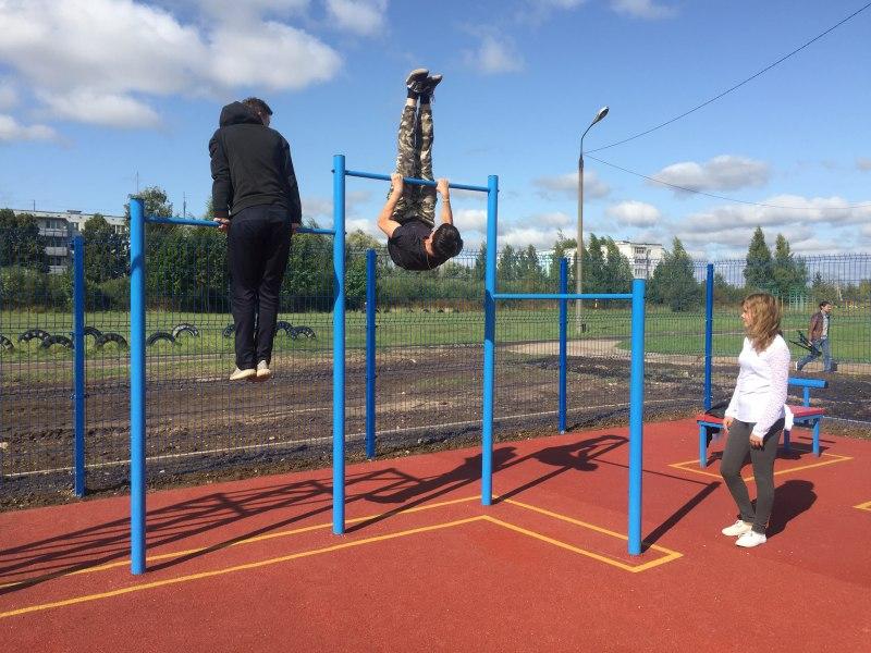 Островские дети получили в подарок к новому учебному году современную спортивную площадку, фото-3