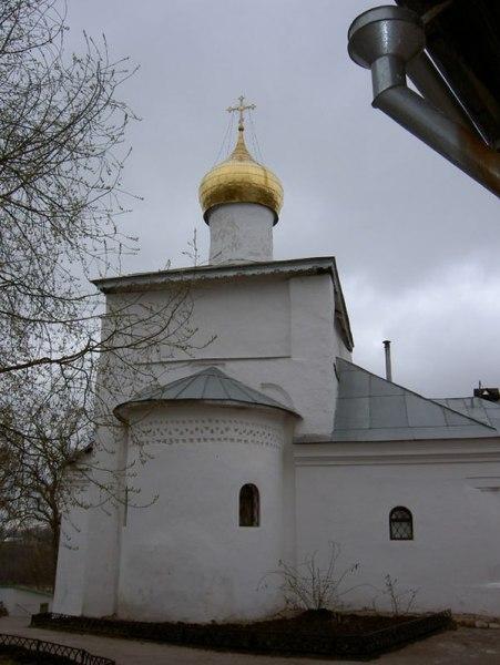 В церкви Николая Чудотворца Снетогорского монастыря близятся к завершению работы по восстановлению кровли, фото-2
