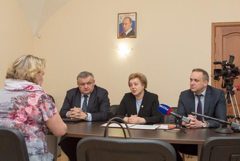С вопросами образования и здравоохранения обратились граждане в региональную Общественную приемную Президента РФ, фото-2