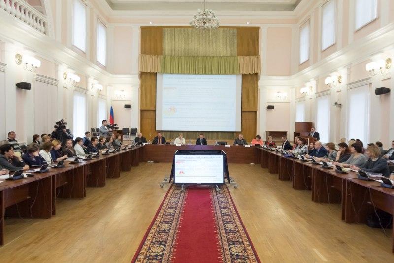 Губернатор Псковской области поручил разработать дополнительные меры поддержки на рождение первого ребенка, фото-1