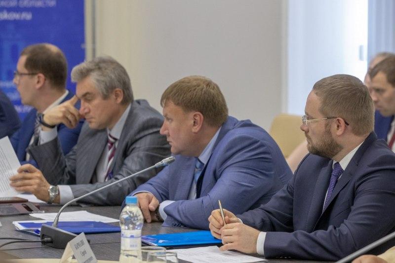 Михаил Ведерников предложил увеличить штрафы за продажу некачественного топлива, фото-2