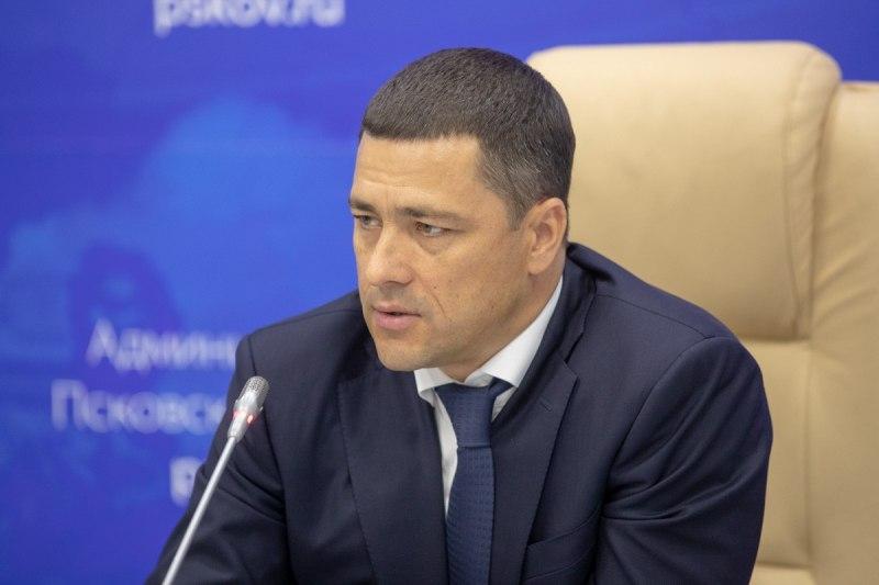 Михаил Ведерников предложил увеличить штрафы за продажу некачественного топлива, фото-1