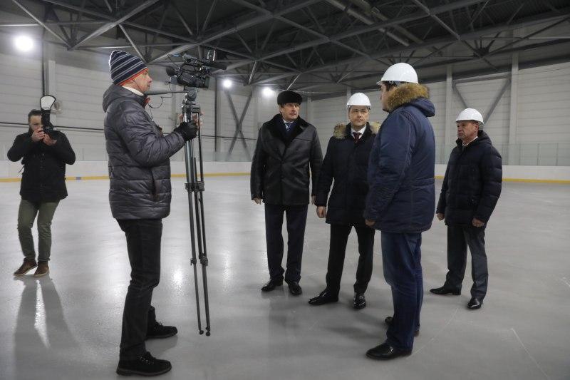 Михаил Ведерников первым встал на лед нового ФОКа в Великих Луках, фото-2
