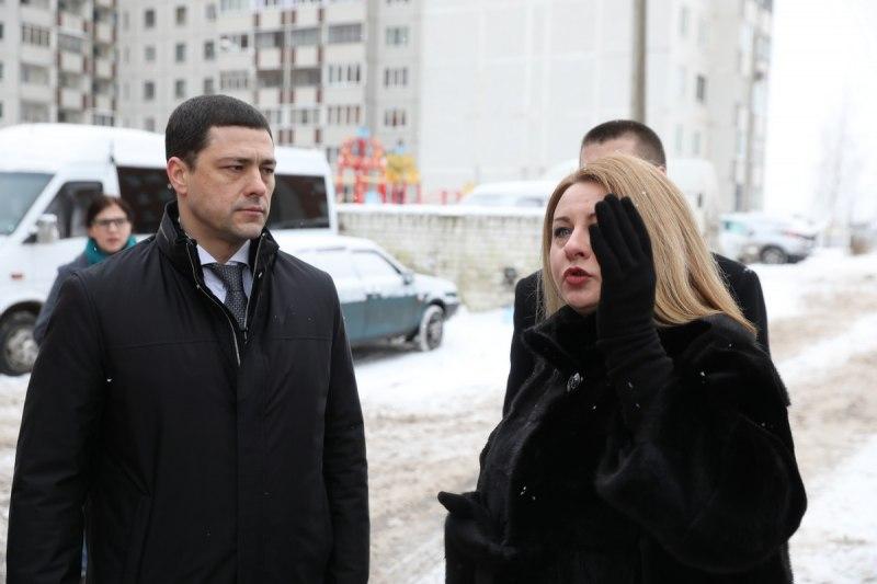 Михаил Ведерников поручил проработать комплексное благоустройство территории вблизи перинатального центра, фото-1