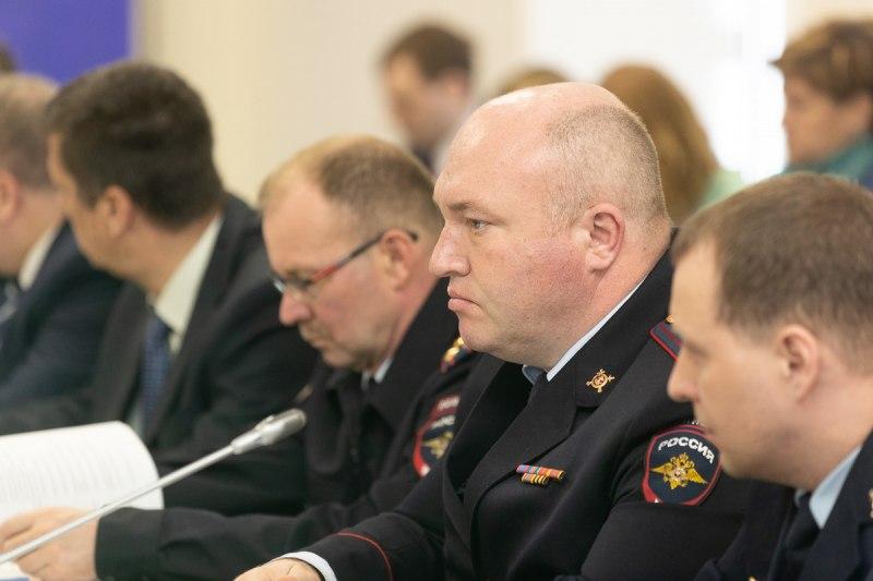 Власти Псковской области усилят контроль за качеством подготовки водителей