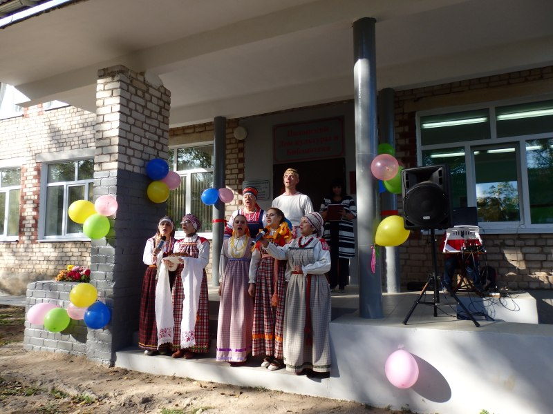 Спортивно-культурный комплекс открылся в деревне Полоное Порховского района